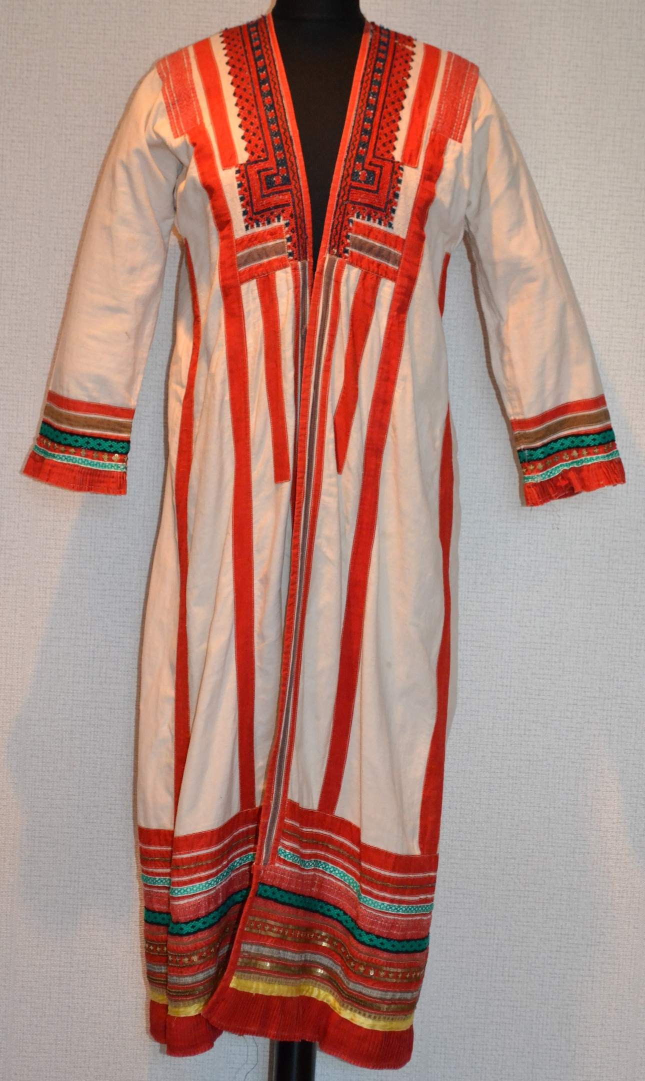 Мордовский женский костюм, изображение №9