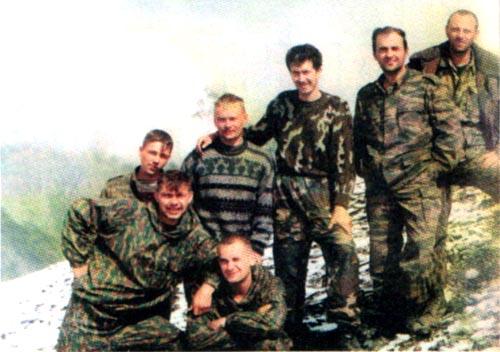 Наша группа минирования. Крайний слева (во втором ряду) младший сержант Д.Покутнев