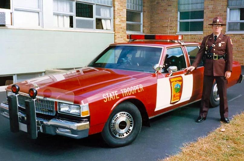 История полицейских авто Америки, изображение №9