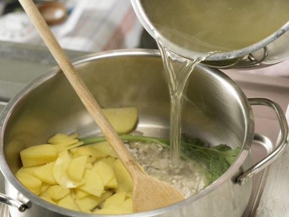 Легкий сырный суп с зеленой спаржей, изображение №4