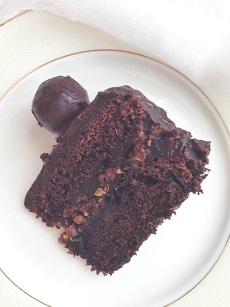Шоколадный торт с орехово-нутовой пралине, изображение №3