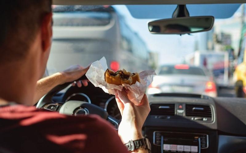 10 причин неприятного запаха в машине, изображение №5
